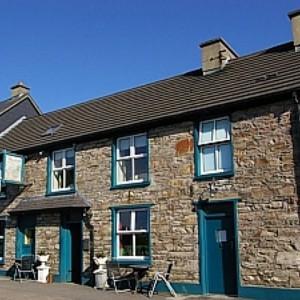Teach Sheain - Brosnan's Pub, Annascaul
