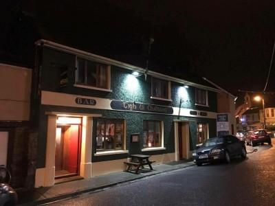 Tigh Uí Chatháin, Bar & Restaurant